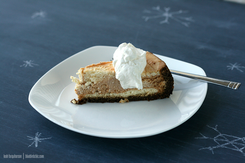 bluebirdchic pumpkin swirl cheesecake recipe - bluebirdchic.com