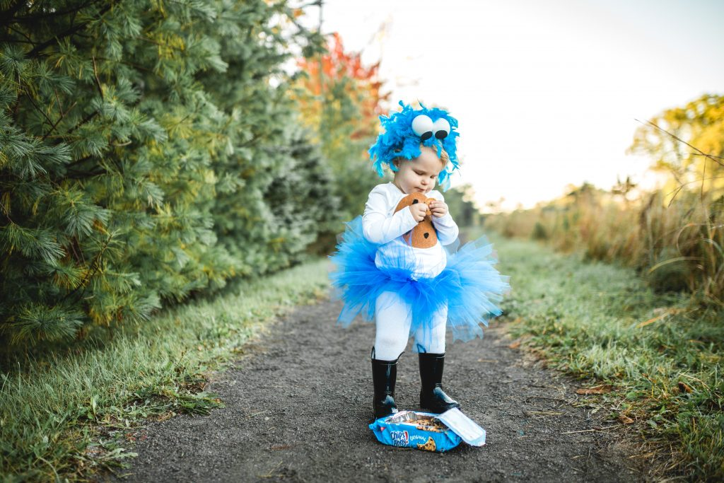 Capturing the magic of childhood: costumes | Apple of Our Eye Photography | Bluebird Chic