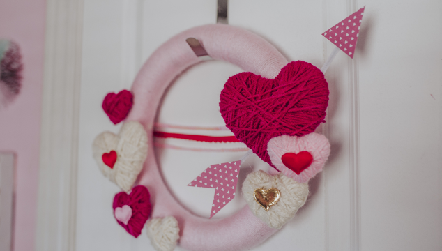 DIY: Valentine Wreath