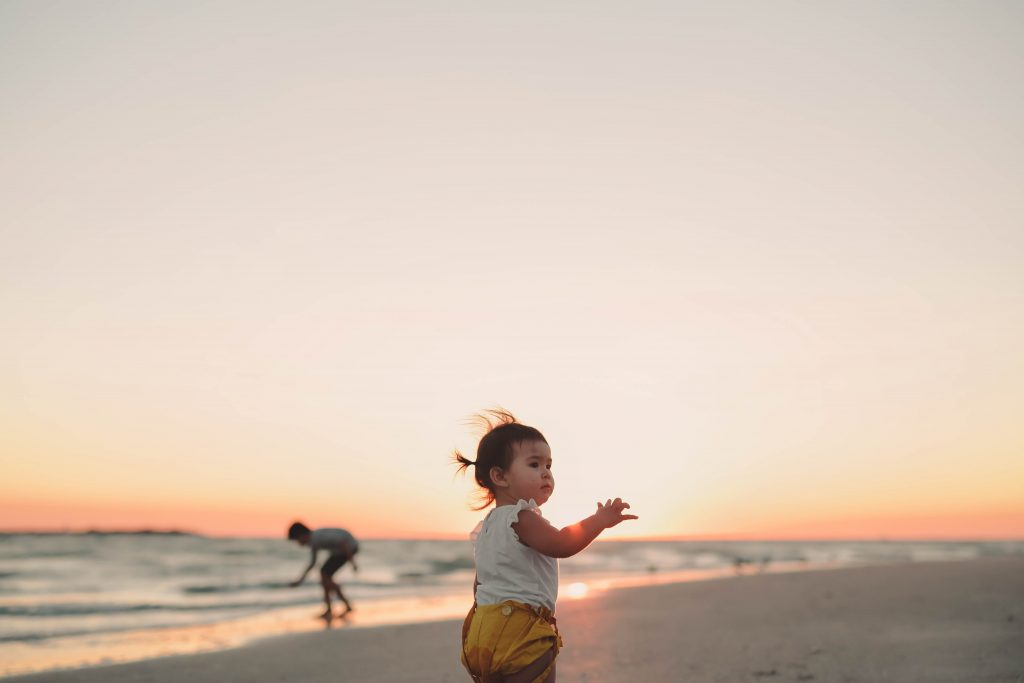 capturing the magic of childhood - children at play | Samantha Hayn | Bluebird Chic