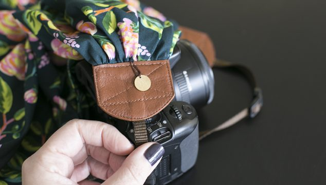Video: How to attach your bluebird chic strap to your camera